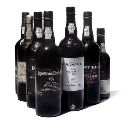 Lot 10-8 bottles Mixed Vintage Port