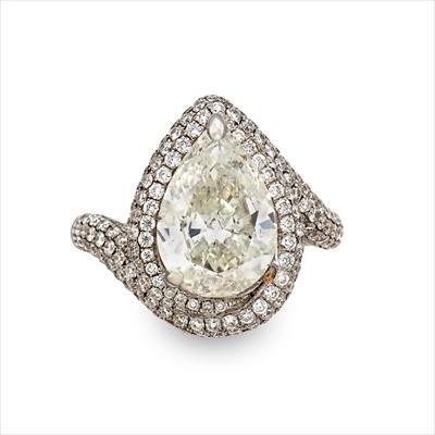 Lot 22-A diamond ring.