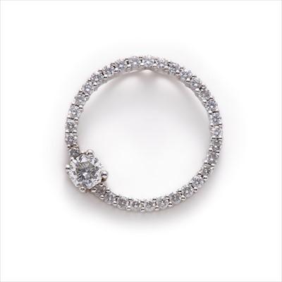Lot 20-A diamond pendant.