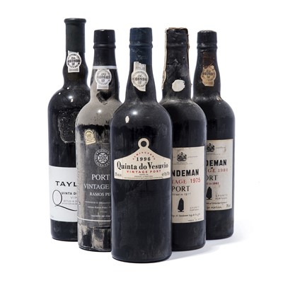Lot 9-9 bottles Mixed Vintage Port