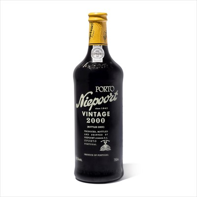 Lot 12-6 bottles 2000 Niepoort