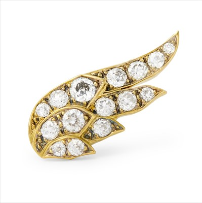 Lot 27-A single diamond stud earring.