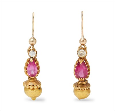 Lot 2-A pair of gem-set pendant earrings.