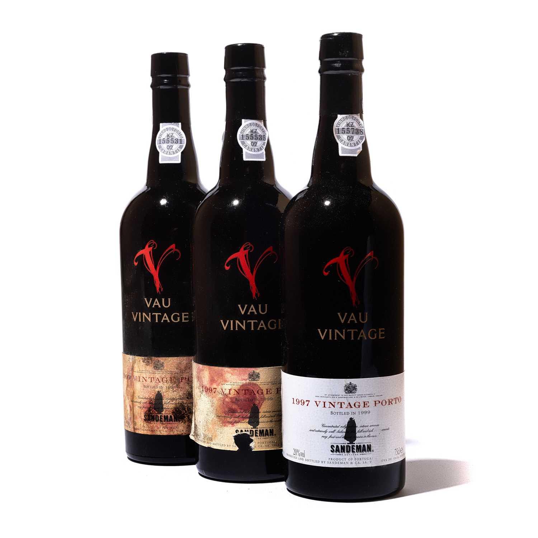 Lot 17-12 bottles 1997 Sandeman Vau