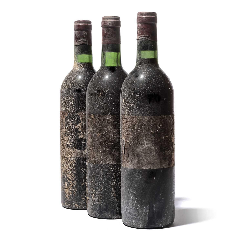 Lot 19 - 10 bottles 1974 Ch Lafite Rothschild
