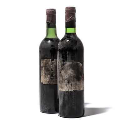 Lot 107-3 bottles 1977 Ch Lafite-Rothschild