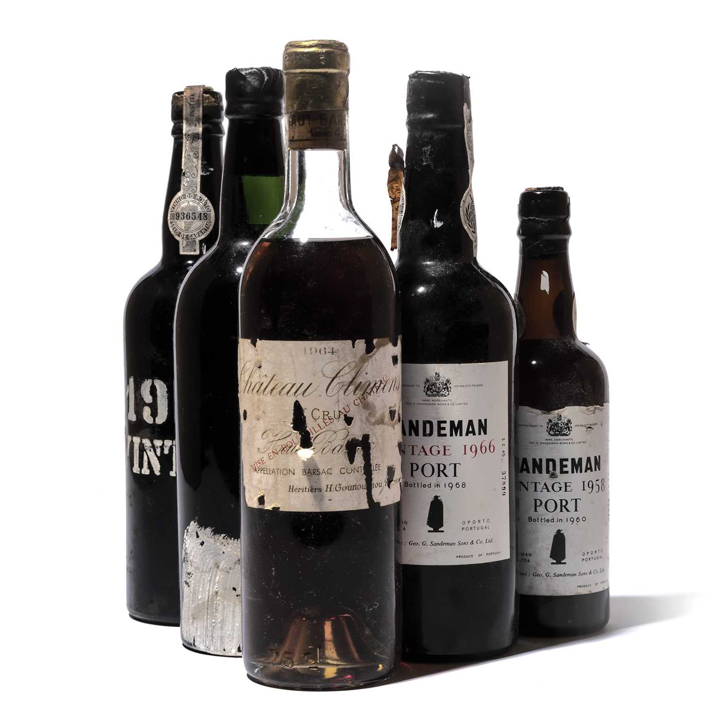 Lot 24-5 bottles and 2 half-bottles Mixed Port and Sauternes