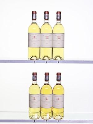 Lot 48 - 6 bottles Ch Pape Clement Blanc